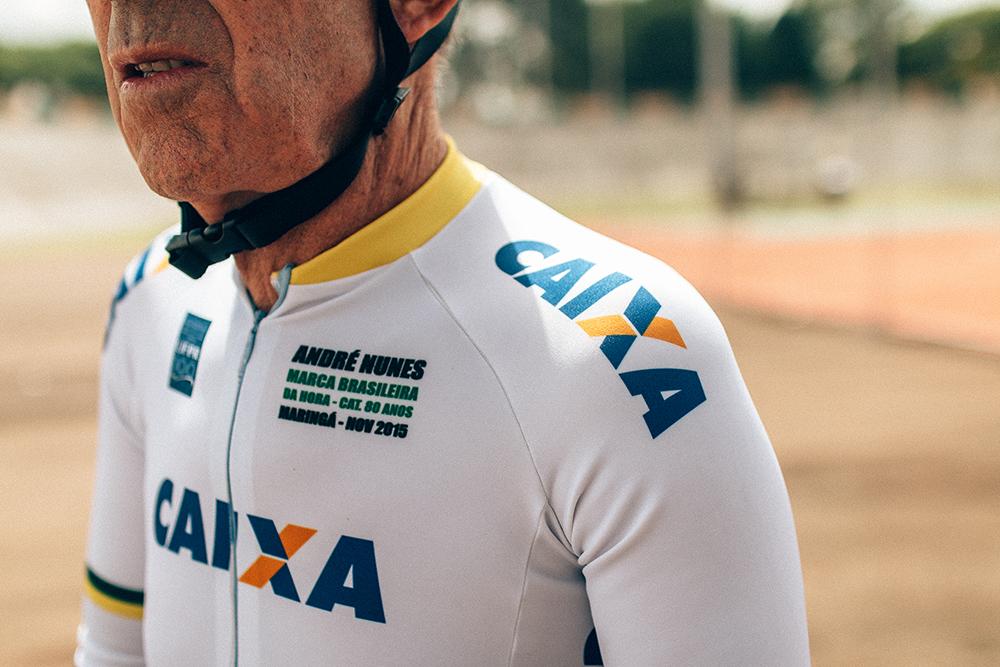 FOCADO: Detalhe da camisa de André em celebração ao novo recorde