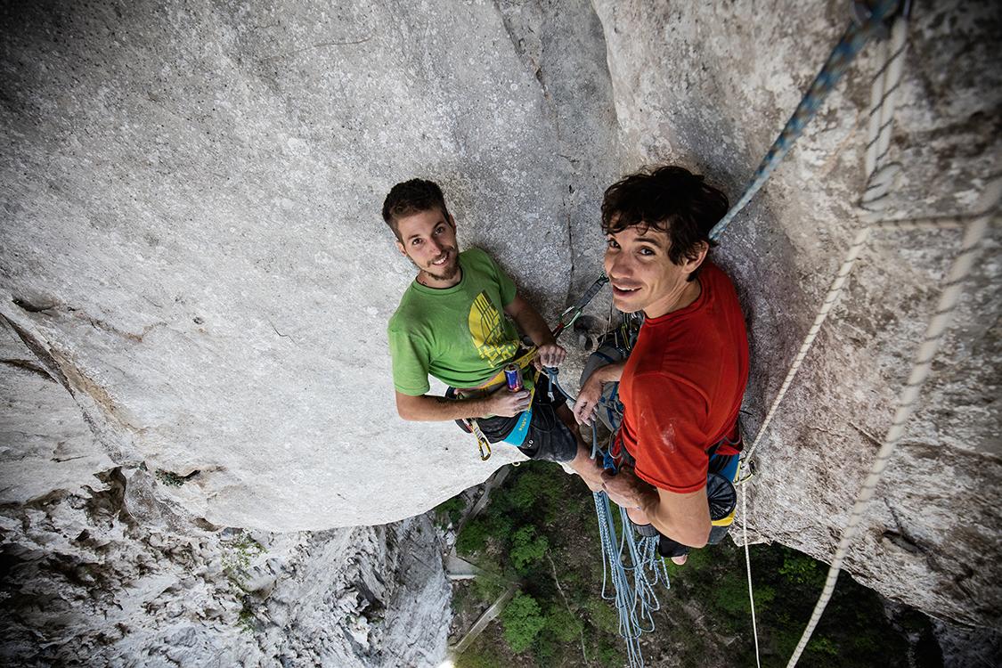 RESPIRO: Felipe e Alex posam para foto durante uma pausa na ascensão (ESTA FOTO: Jimmy Chin)