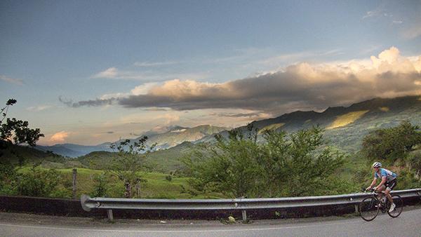 TOUR NA COLÔMBIA: Muita subida na região de Boyacá (Foto: Cyclotá.com)
