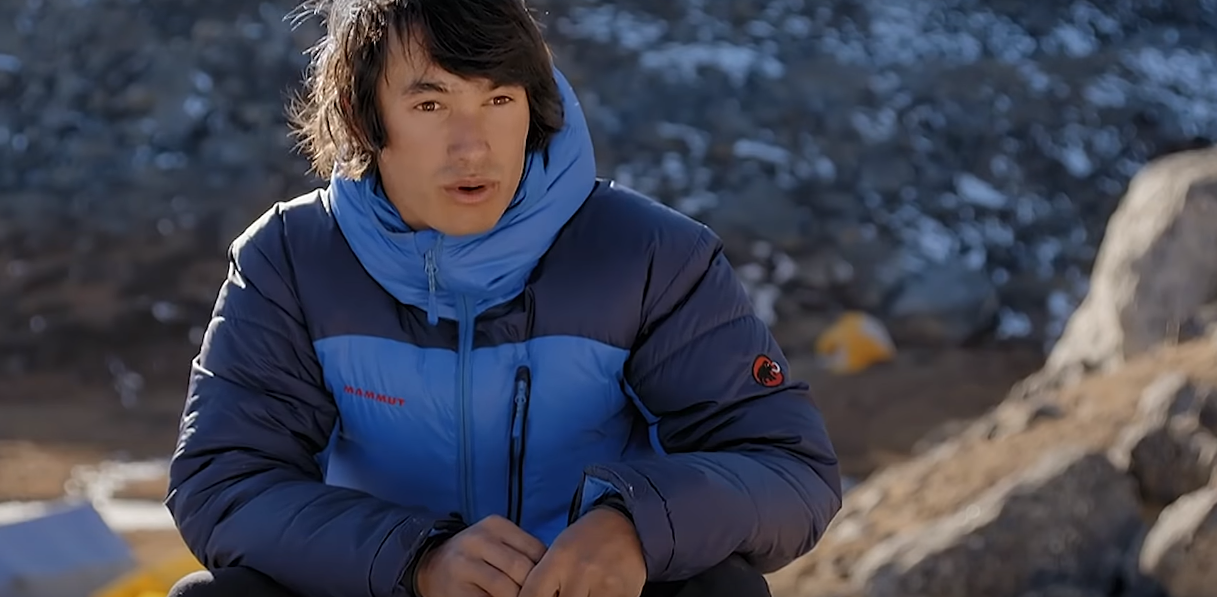 Depois de duas tentativas, David Lama chega ao cume do Lunag Ri