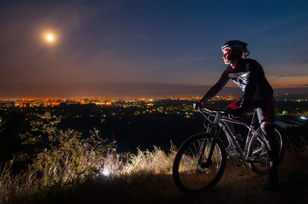 Dicas para treinar esportes outdoor à noite