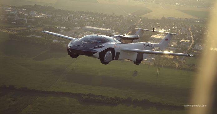 Voo teste carro voador Eslováquia