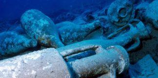 Expedição encontrou ãnforas de vinho em antigo navio romano