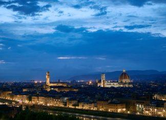 Florença proíbe caminhadas noturnas para evitar superlotação na pandemia