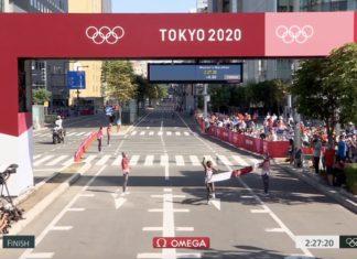Queniana Peres Jepchirchir leva ouro em maratona marcada por calor e desistência de favoritas