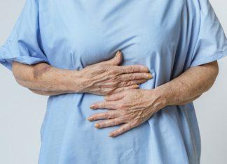 Inchaço abdominal? Veja cinco hábitos alimentares que causam isso