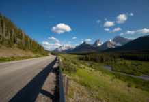 Casal pedala do Canadá ao México de mountain bike