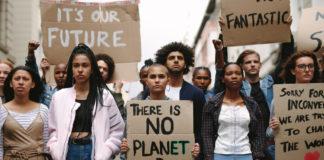 4 em cada 10 jovens não querem ter filhos devido às mudanças climáticas